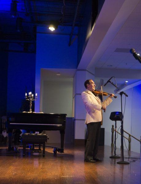 At Tzarkei Naomi Benefit Concert